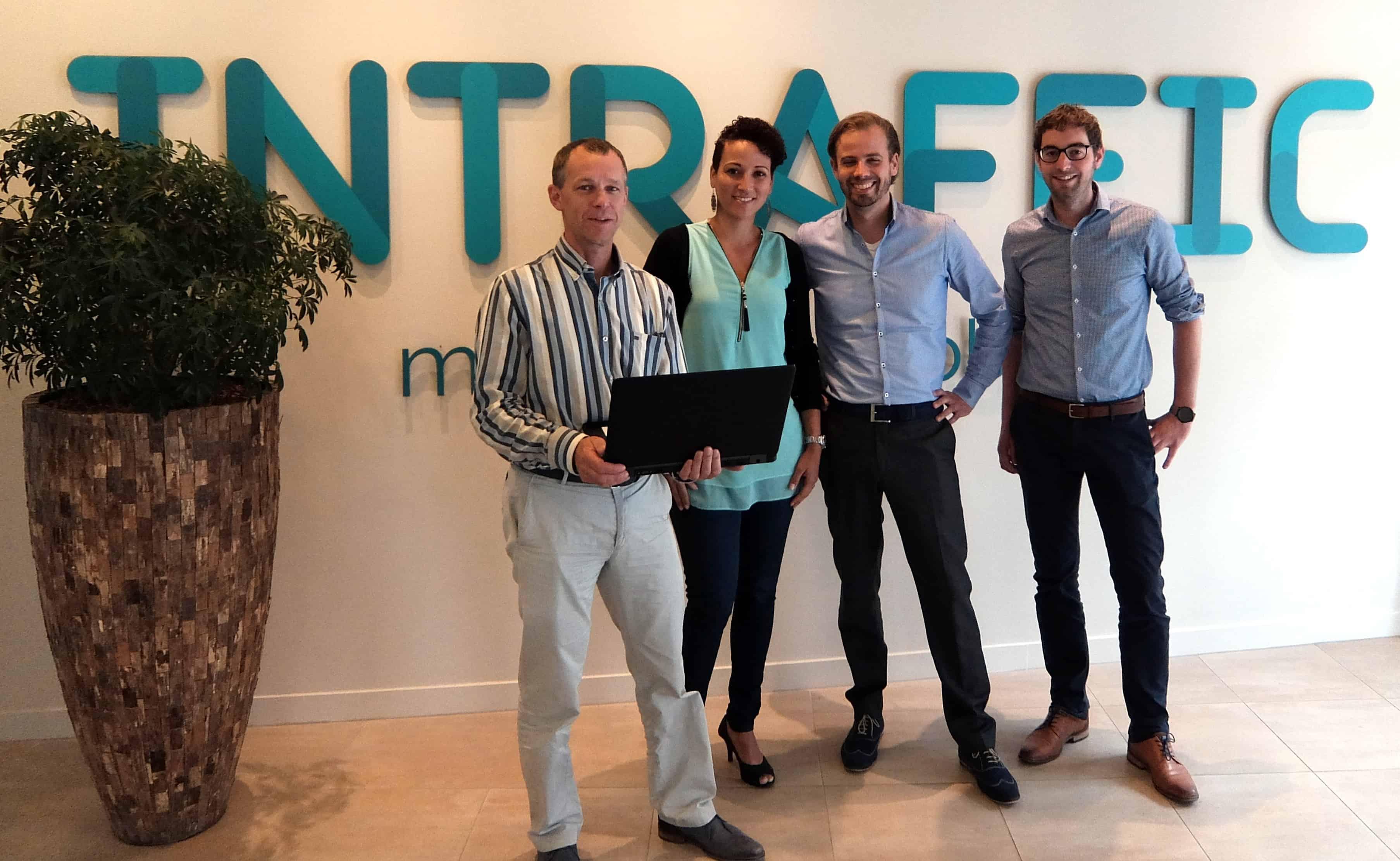 Jaap Boumans van InTraffic samen met de bij Intraffic ingezette Polteq testprofessionals Cinthya Poulina, Robin van Groesen en Roel van den Assem.