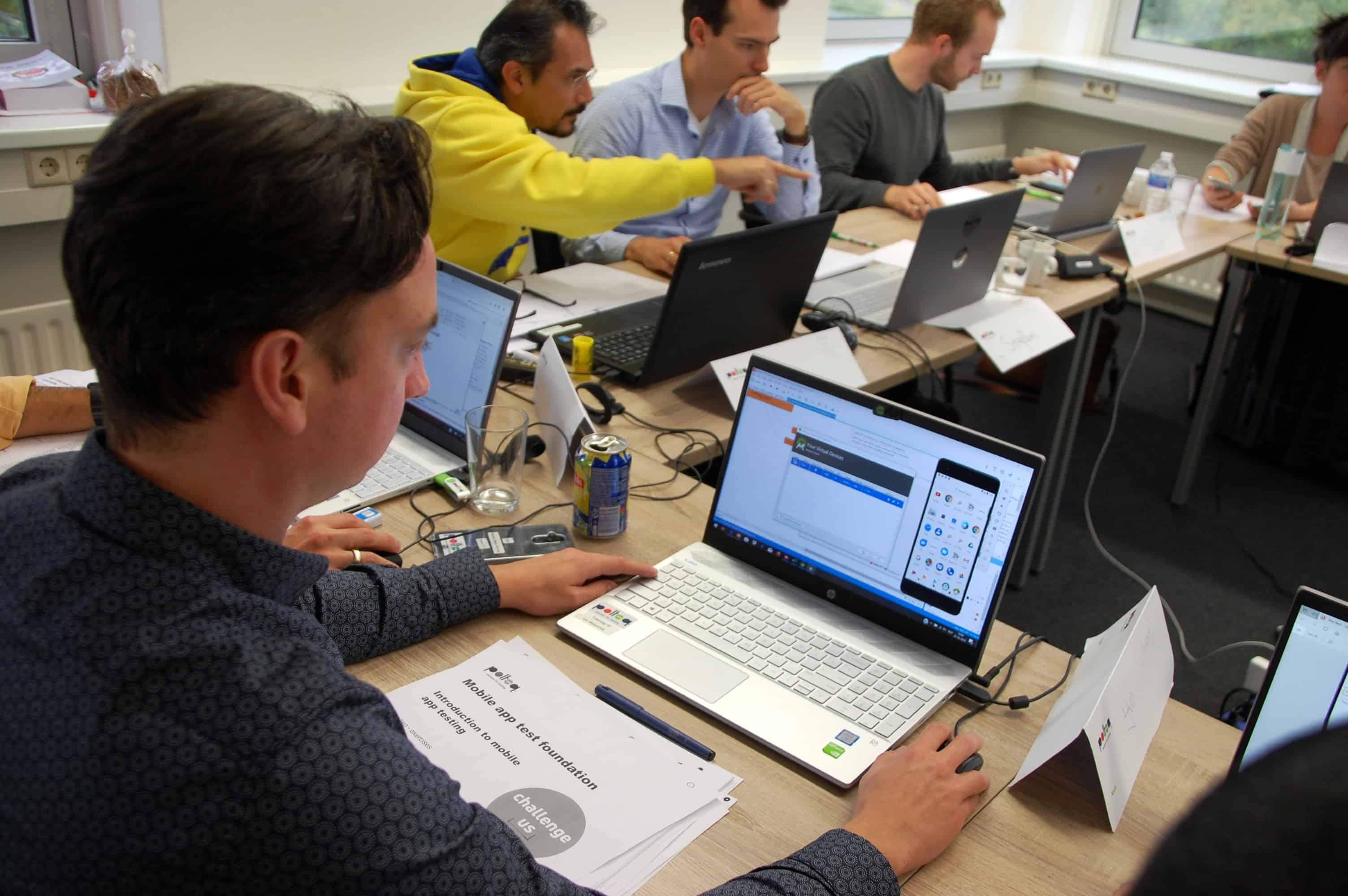 Yvo Kieviet tijdens de module 'Mobile App Testing' van de Masterclass.
