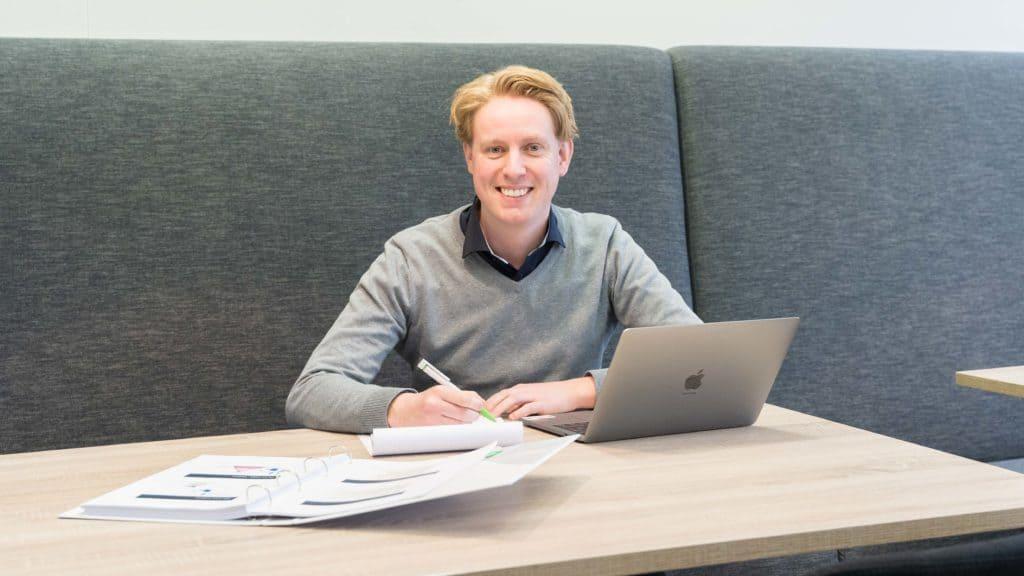 Kasper Faber aan het werk bij Polteq