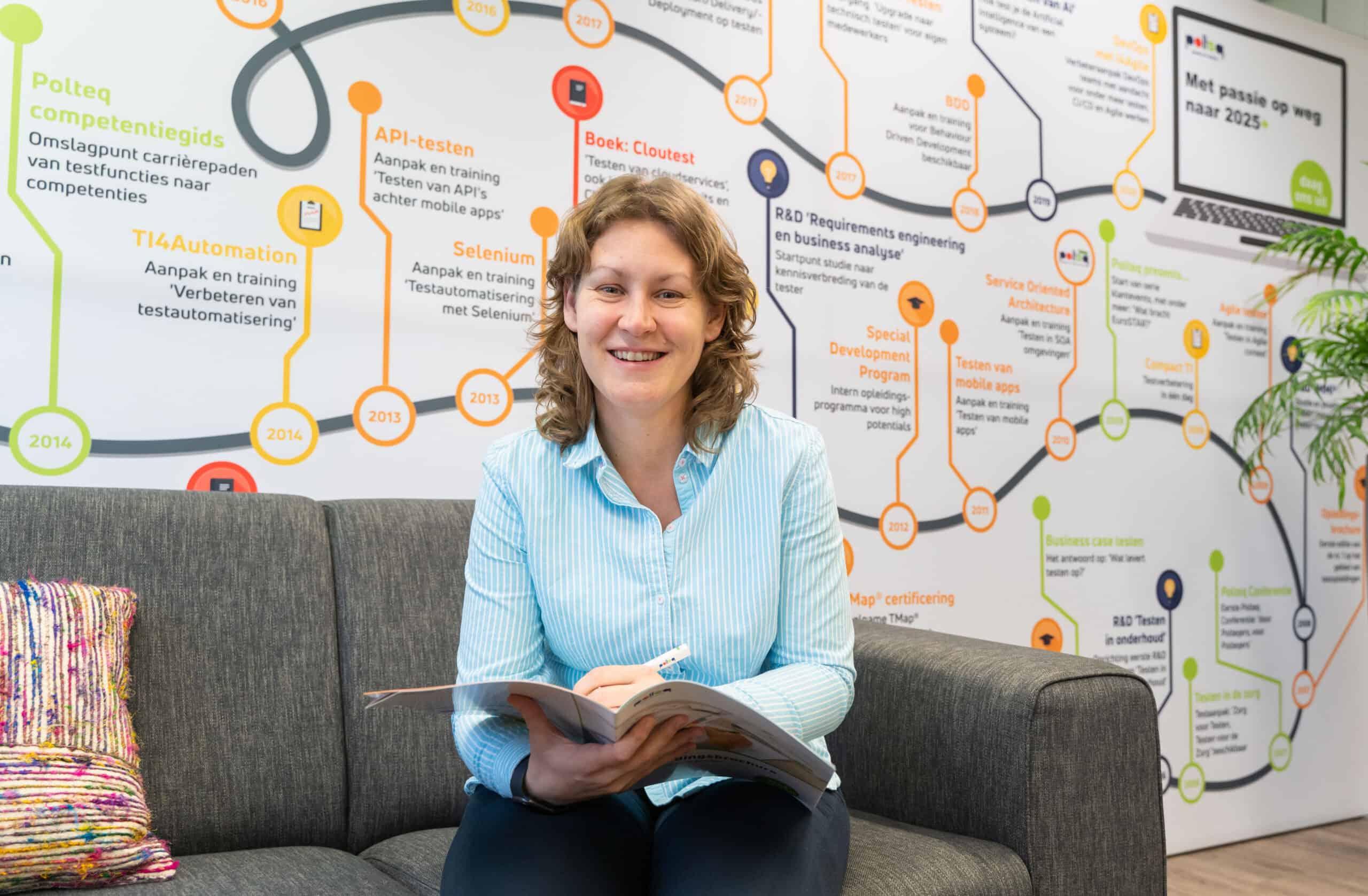 Christel van der Wouw maakte een carrièreswitch van archeologe naar software tester. Nadat zij in januari 2020 als trainee bij Polteq startte, is zij nu testengineer.
